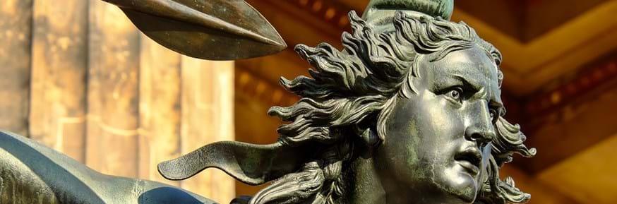 Bronze sculpture of Greek lady